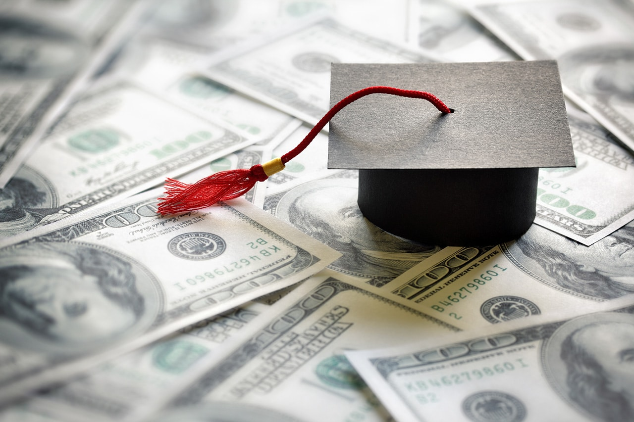 How to Pay for College: 6 Ways to Supplement Your Student Loans